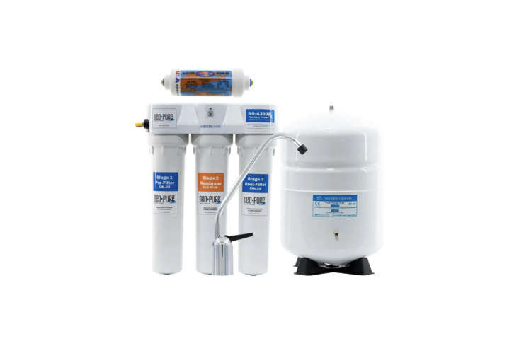 Above: Neo-Pure (RO-4300RX) Pharmacy-Trusted Residential RO System is a 4-stage tank filtration system that works with a carbon pre-filter, a thin film composite membrane, extended contact filter, and polishing filter. It features a 3-gallon tank that is relatively compact and its carbon filters get changed every 6-loading=