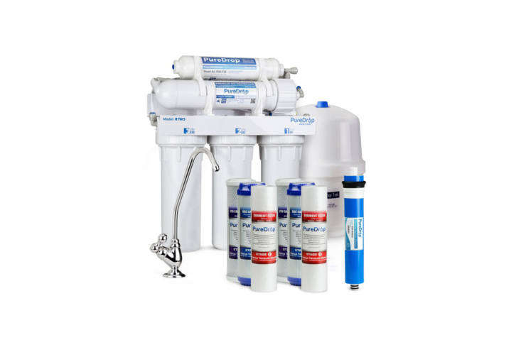 Above: The PureDrop 5 Stage Reverse Osmosis Water Filtration System with Pre-Filter Kit is a 5-stage filter that removes 99-percent of TDS, 96% of lead, 99% chlorine, and 98% iron. The PureDrop is relatively efficient (though not as efficient as others on this list) with a loading=