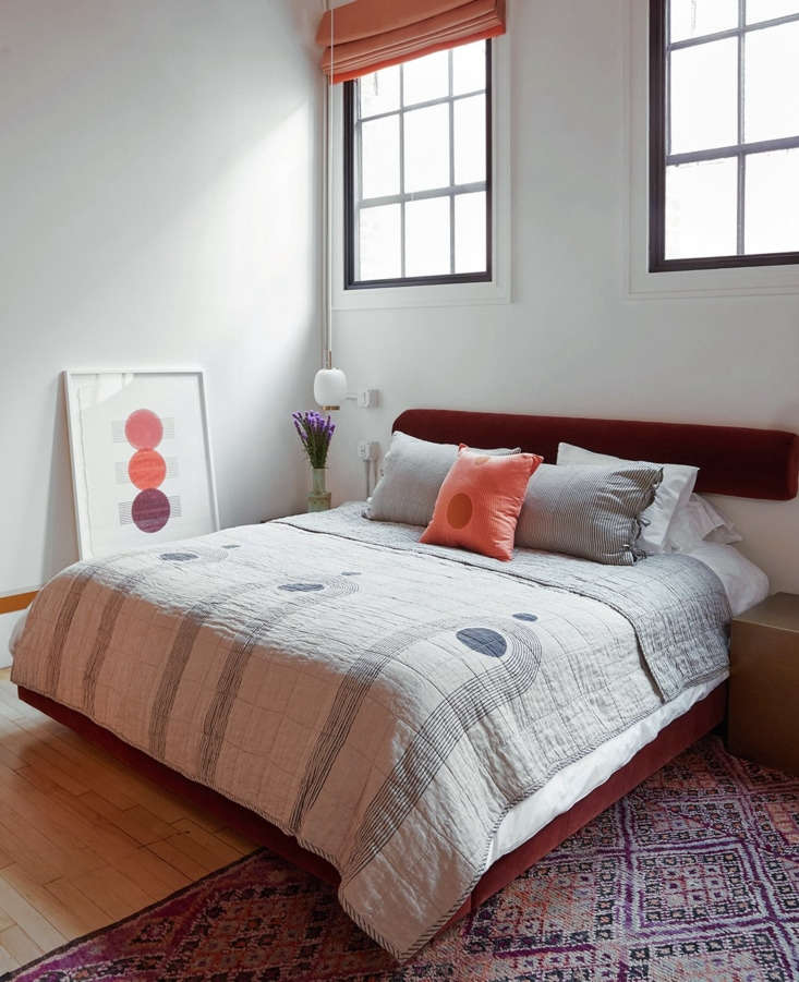 the sunwave quilt was inspired by a kenneth noland target painting, and has cla 9