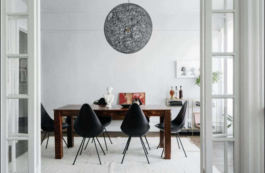 The Mooi Random Light and the Drop Chairs are the pieces that Delia also has in her own home. &#8