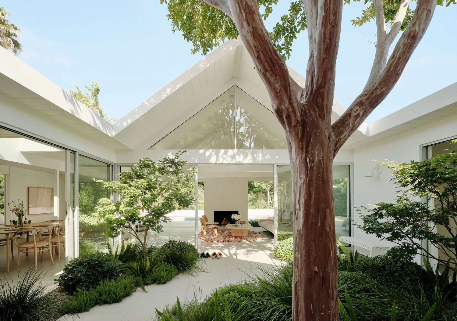 Twin Gables: A Mid-century Eichler House in Silicon Valley Gets a Minimalist Update - Remodelista