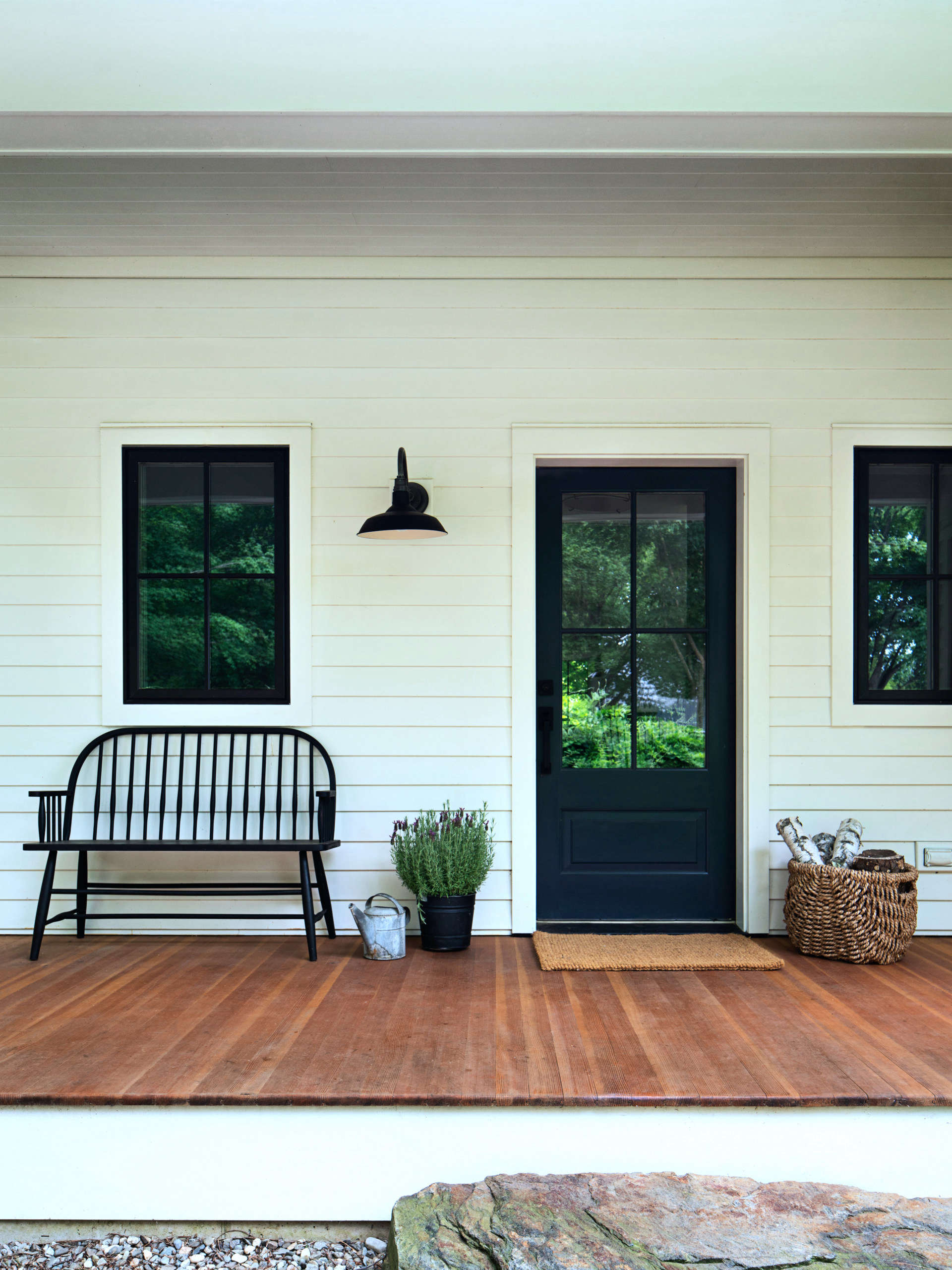 Porter injected the house with a clean-lined, black-and-white refresh that, as she puts it, &#8