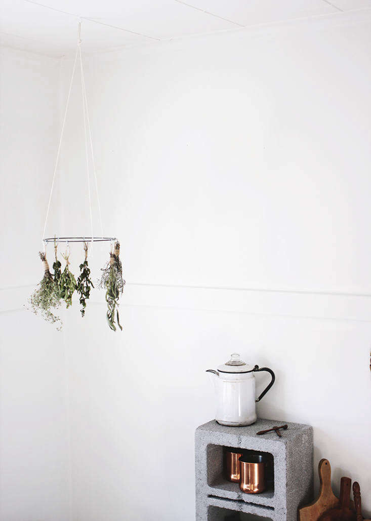 Current Obsessions Upcycled Finds DIY herb drying hoop from The Merry Thought.