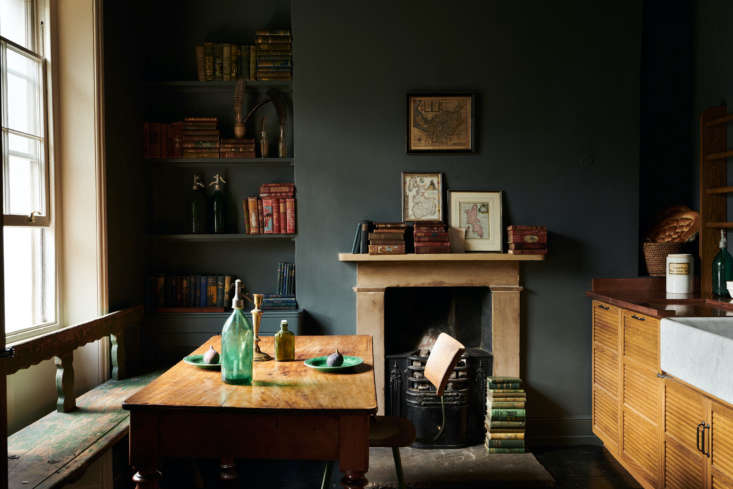 The dining table and bench are both antiques. Both the UK and New York showrooms have vintage pieces for sale. (SeeNew from deVol: A NYC Showroom and Porcelain Pendant Lights, Handmade in England.)