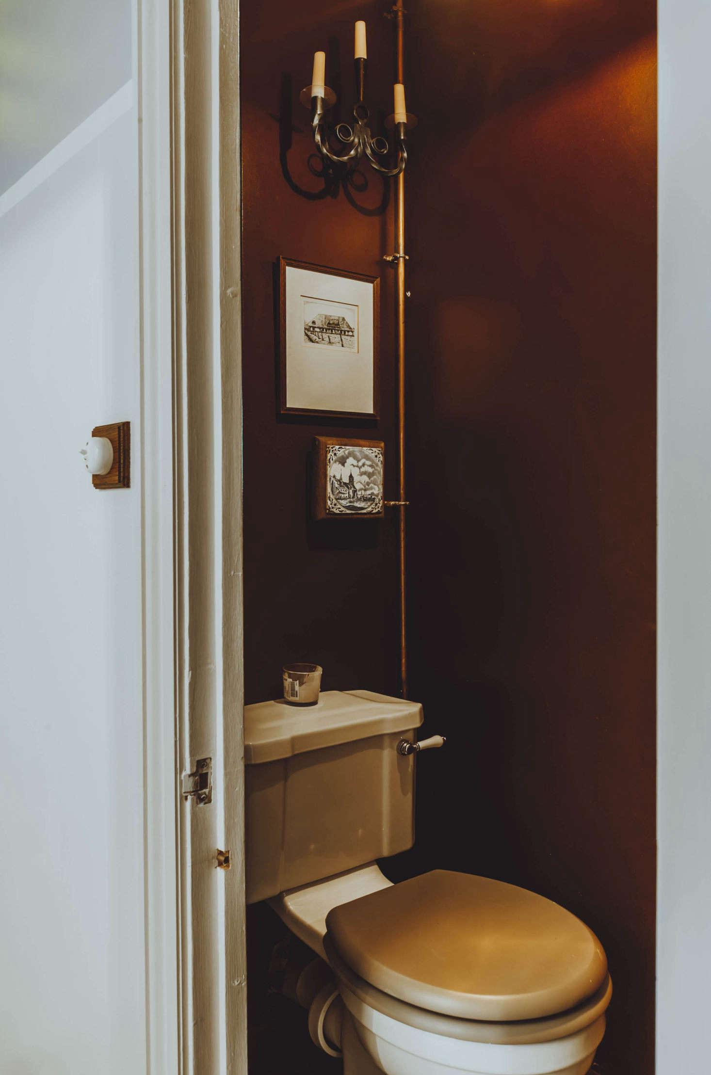And the auburn-hued powder room. &#8