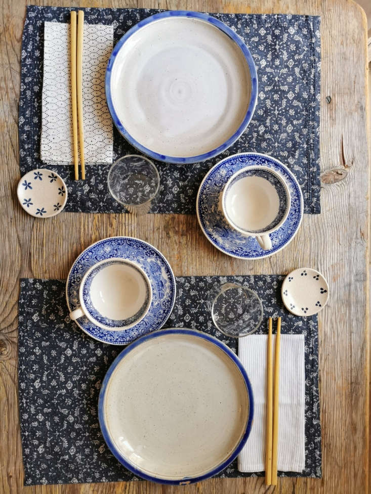 the \100 percent cotton, hand printed placemats from the margin table set are 3 12