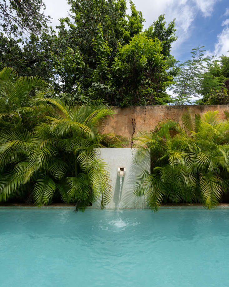 like many other properties in mérida, &#8\2\20;the water for the pool is b 25