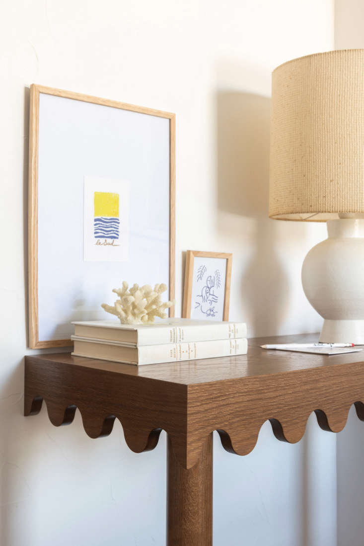 A console table in a guest room at the Côte d'Azur&#8