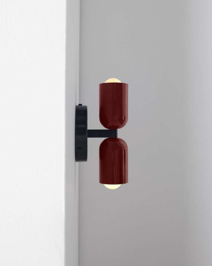A side view of the light with both the top and bottom shade in Oxide Red.