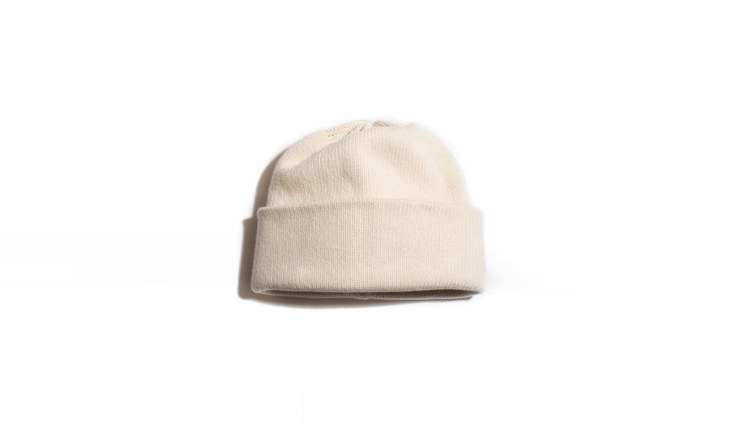 Remodelista Gift Guide 2020 Comfort Presents for Keeping Calm and Staying In &#8\2\20;A friend of mine clued me in to the best cashmere watchcap ever. I even wear it indoors,&#8\2\2\1; says Julie. It&#8\2\17;s the Golightly Cashmere Watchcap, hand knit in the US and available in \17 colorways (\$\165).