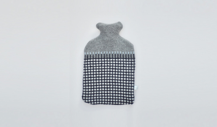 Remodelista Gift Guide 2020 Comfort Presents for Keeping Calm and Staying In Justine discovered textile maker Harriett Grist&#8\2\16;s hot water bottle covers, knitted in Hampshire from UK sourced lambswool and paired with natural rubber bottles. The designs are in high demand (and Harriett&#8\2\17;s Etsy shop has closed for the holiday), but a few of her selections are still available via UK shops like Monday, where the black and white Gordon, candy striped Abbotts, and striped Peter are all £3\2.