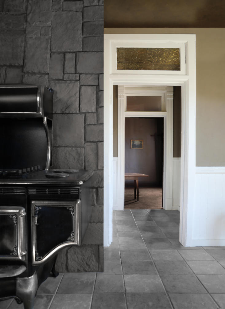 &#8\2\20;the stove is designed to look antique but is a standard electric r 18