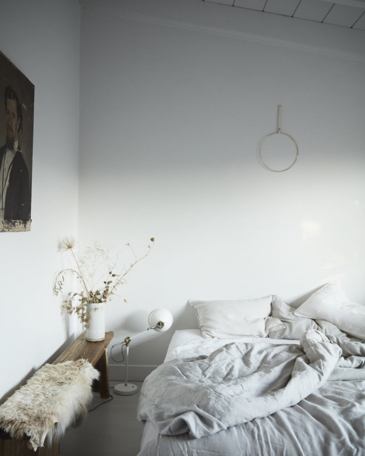 Remodelista Gift Guide 2020 Comfort Presents for Keeping Calm and Staying In We love Two Dawson&#8\2\17;s duvets for crawling back under the covers, long winter&#8\2\17;s naps—and working from bed. Margot particularly likes their Linen Duvet with Pink Piping for a little extra cheer.