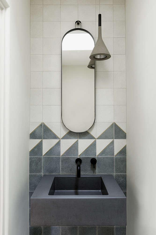 Bath in Palos Verdes Project by Byrd Design, Photo by Laure Joliet