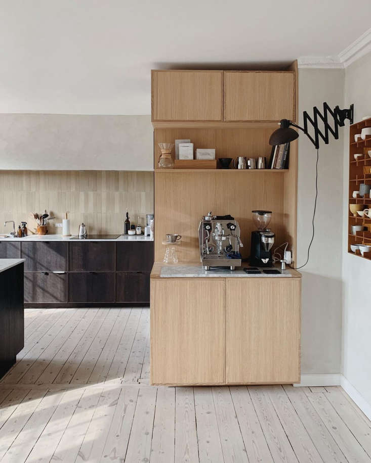 &#8\2\20;we gave the kitchen a bit of life with textured paint from jotun a 11