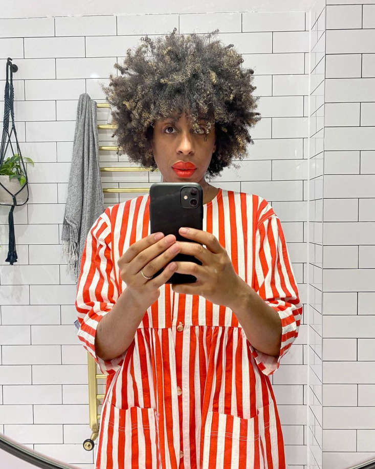 Bathroom of the Week Ferren Gipson Upgrades Her London Loo and Makes Room for the Laundry Ferren took this selfie to celebrate the finished work. Her dress is by L.F. Markey. Go to @ferrengipson to hear her mini lecture on the hidden meaning of eggs in art and other surprise topics.