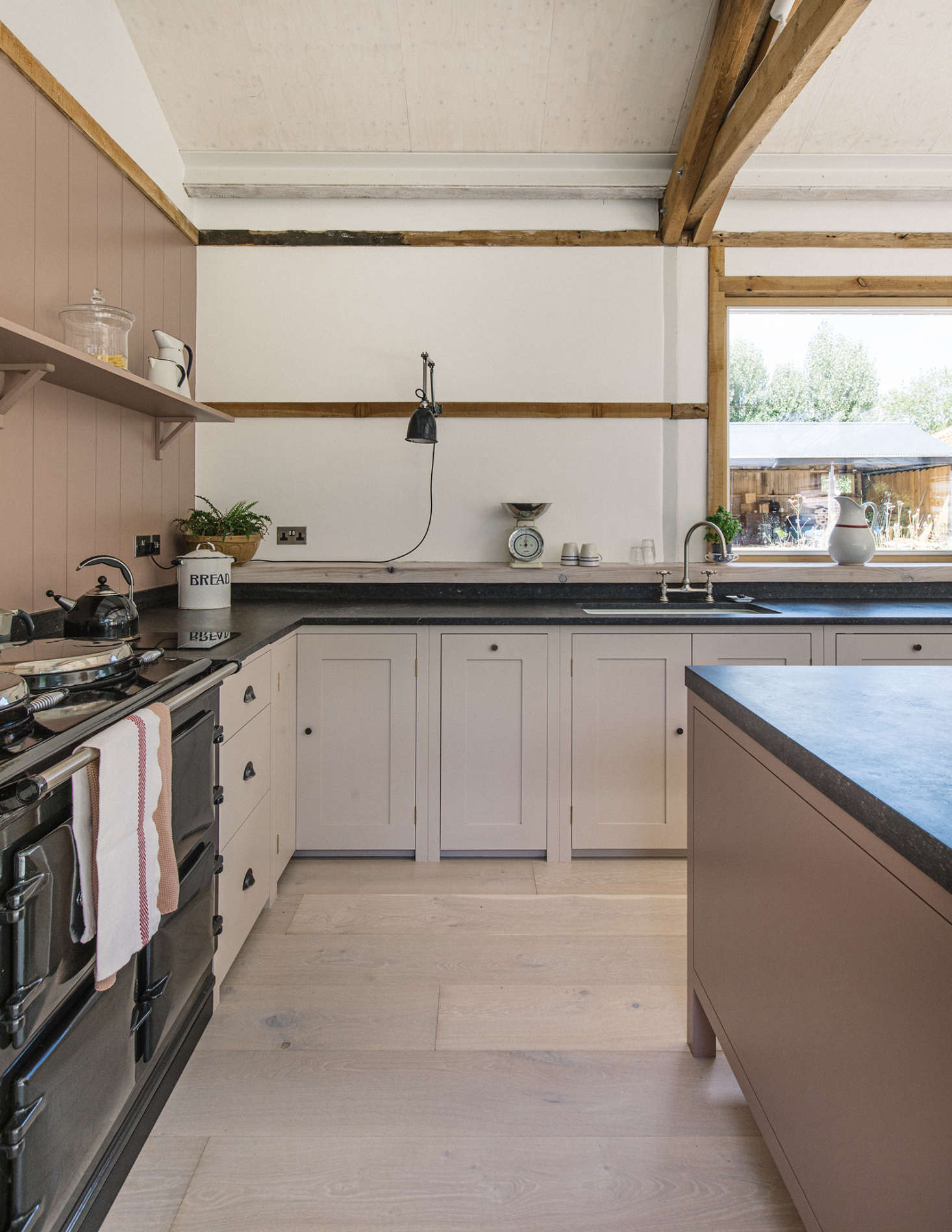 The owner loved her Aga cooker at the farmhouse and introduced Aga&#8