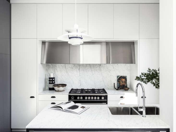 "In a Sydney, Australia, kitchen by architect Tom Ferguson, a 36"" Classic Dual Fuel Range takes center stage. Photograph by Tom Ferguson."