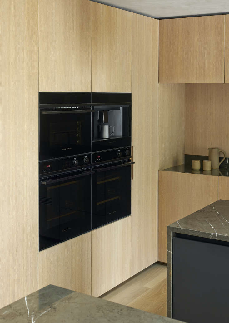 Two Integrated Wall Ovens create multiple opportunities for baking and cooking—all in a sleek front that seamlessly fits into a wall of cabinetry. Photograph by Simon Wilson.