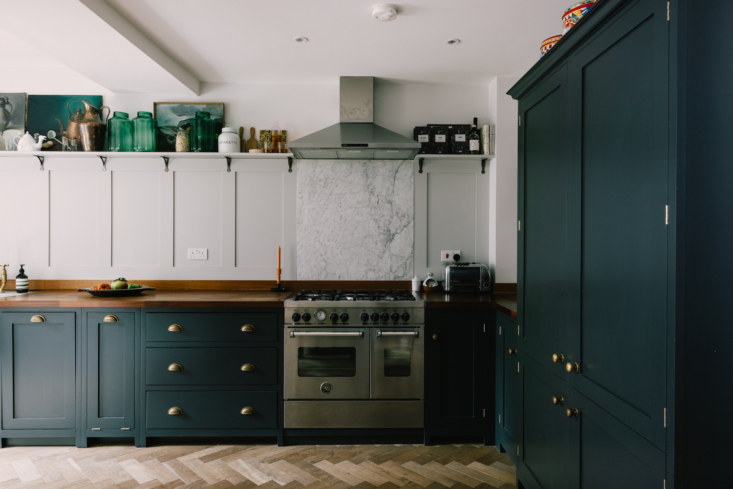 The cabinets are by deVOL and painted Farrow & Ball&#8