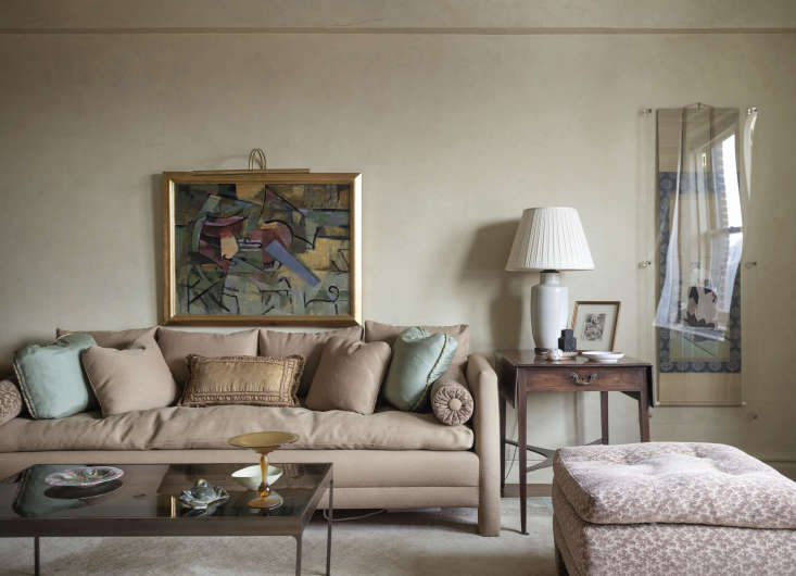 Over the sofa hangs an abstract painting by the Provincetown, Massachusetts, artist Karl Knaths (9loading=