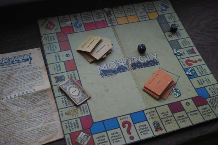 A game of vintage Monopoly in Dutch, anyone?