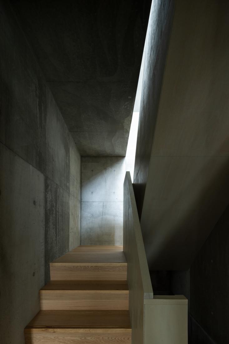 yumiko sekine tokyo house wataru obashi stair