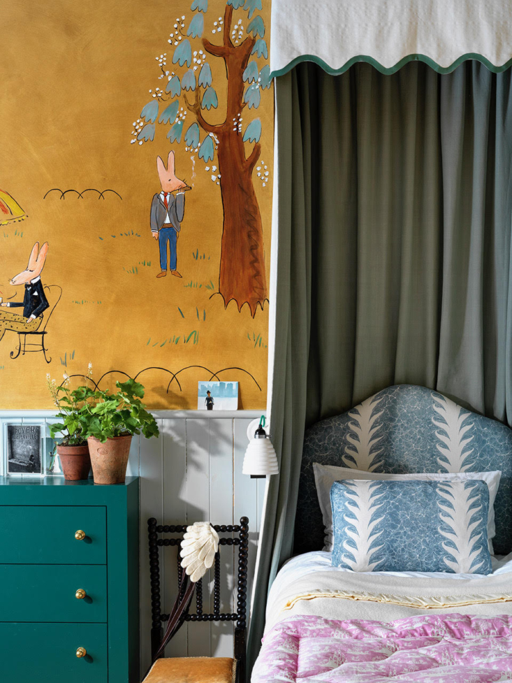 a scalloped canopy in interior designer beata heuman&#8\2\17;s daughter& 18