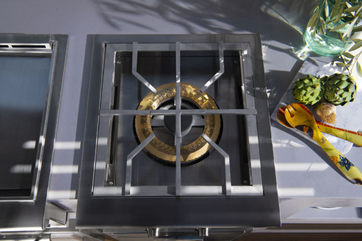 A detail of the versatile Power Burner, with specially designed grates that accommodate all sizes and types of pots and woks—no need to stop mid-prep to make adjustments.