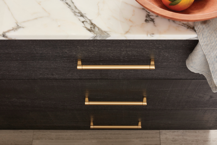 Another detail that shouldn't be an afterthought: cabinet hardware. Choosing the right hardware for how you use your kitchen makes your space work seamlessly—and adds a design-forward touch.