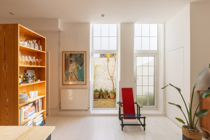 On the market: House for a Painter (in a former Victorian laundry), which we first featured way back in —see An Artist at Home in London, Family Included. Photograph via The Modern House.