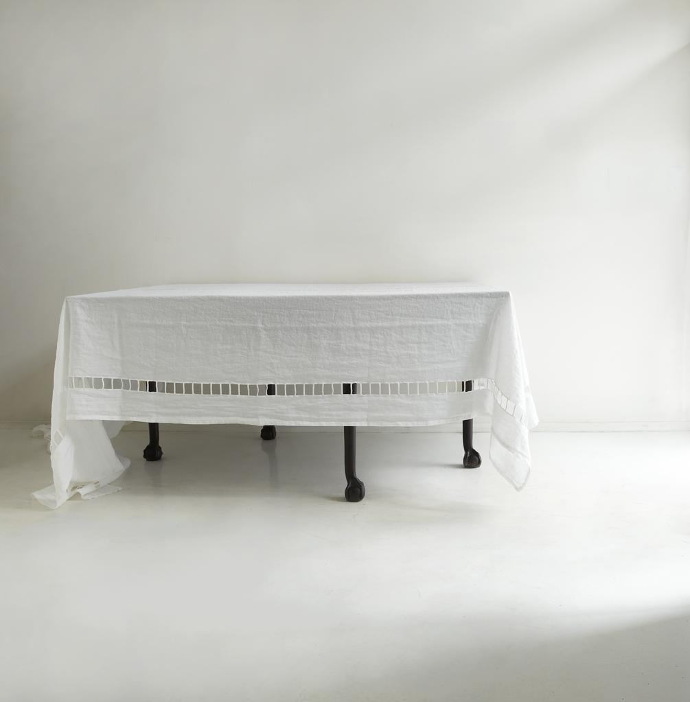 High/Low: World's Most Elegant Linen Tablecloth? - Remodelista