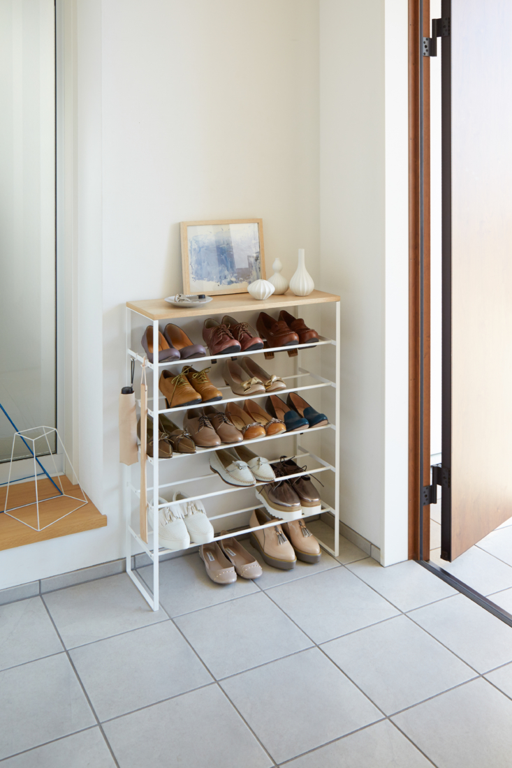 Above: The Six-Tier Wood-Top Shoe Rack ($loading=