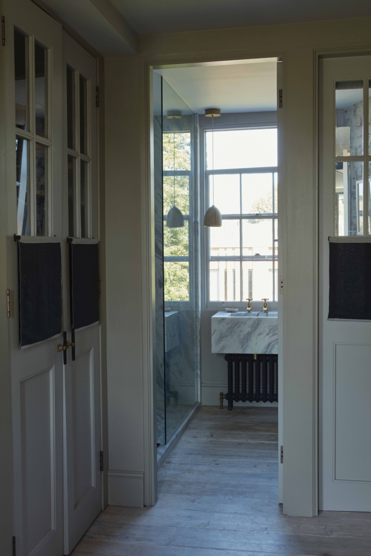 ochre solenne de la fouchard london bathroom 2