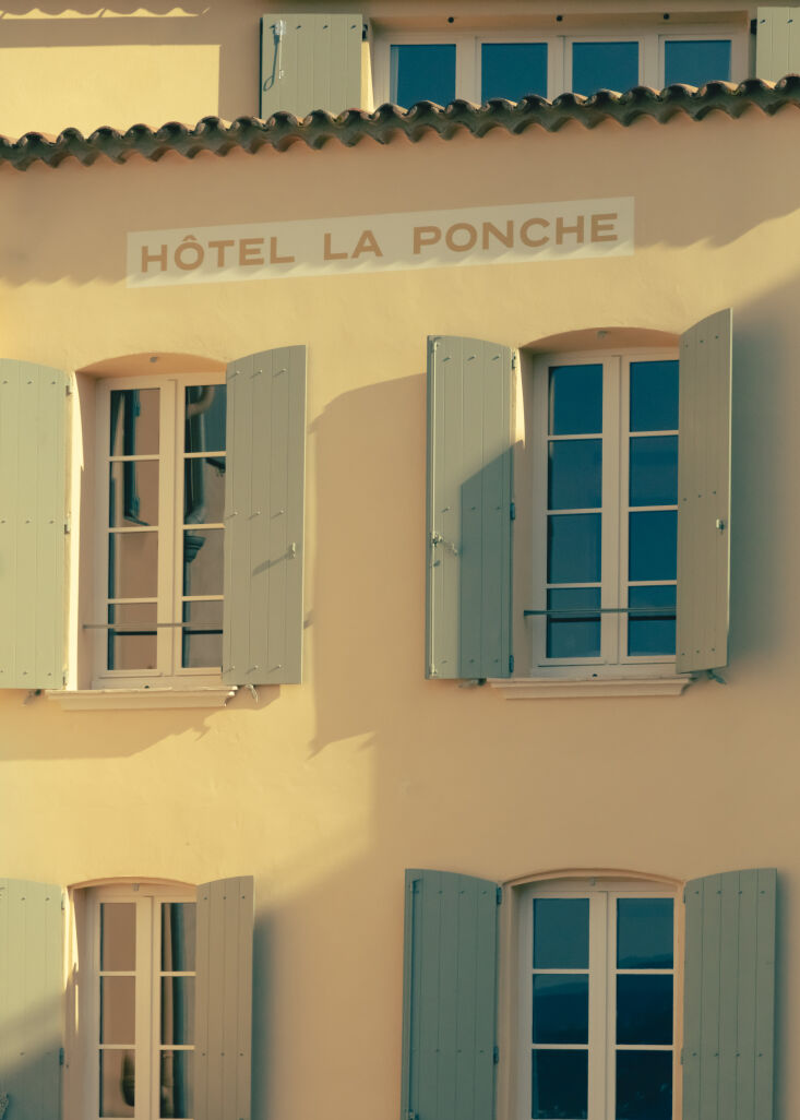 the sunny exterior. hôtel la ponche was once run by the parents of simone duck 9