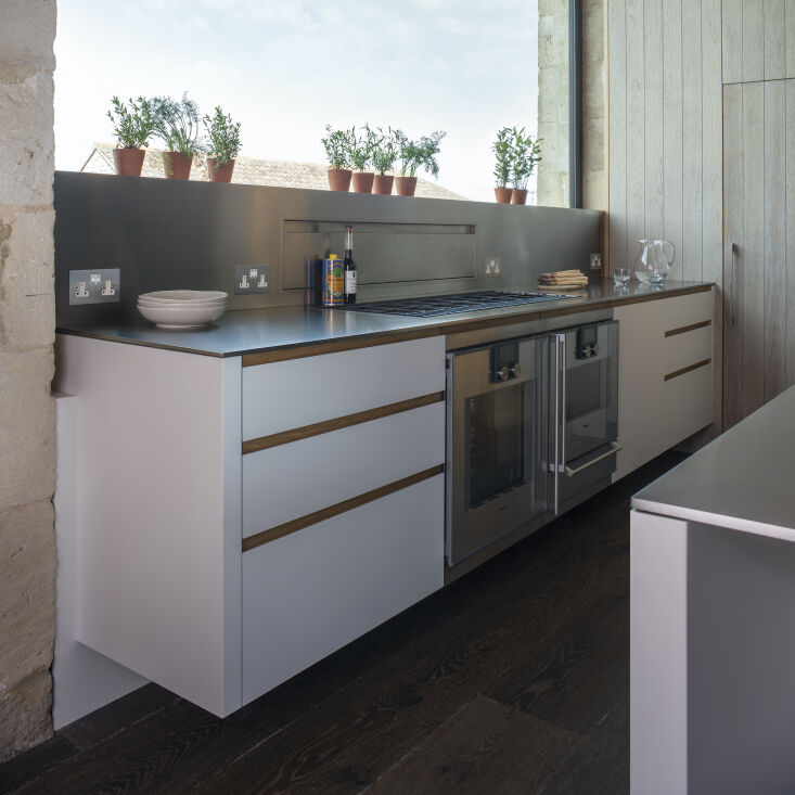 &#8\2\20;particularly satisfying was designing the stainless steel backspla 13