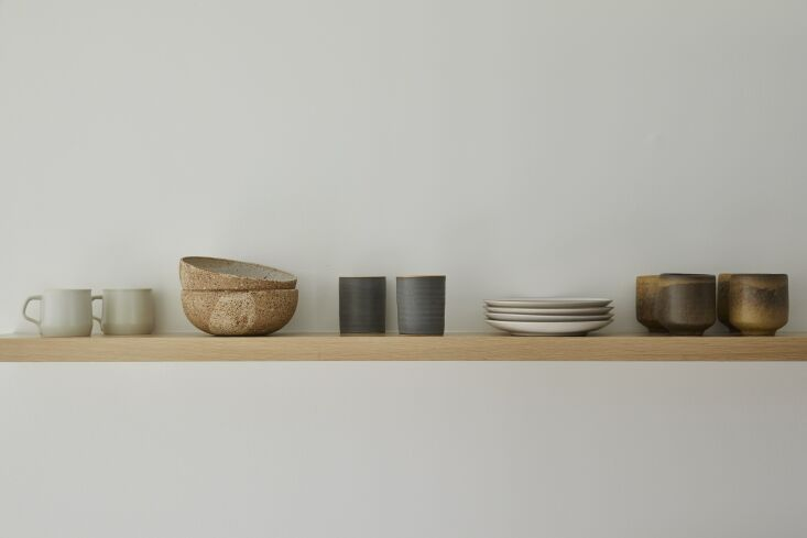 &#8\2\20;i love the simplicity of a single shelf to display a collection of 14