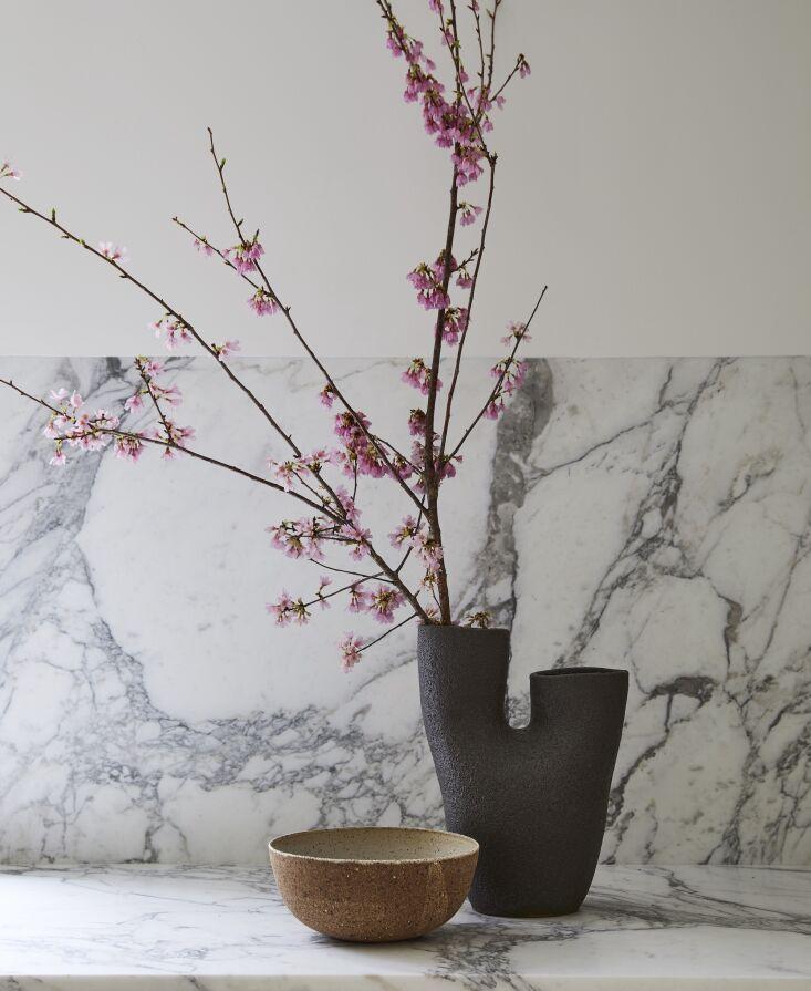 the striking vase is by nur ceramics; the ramen bowl by kati von lehman. 15