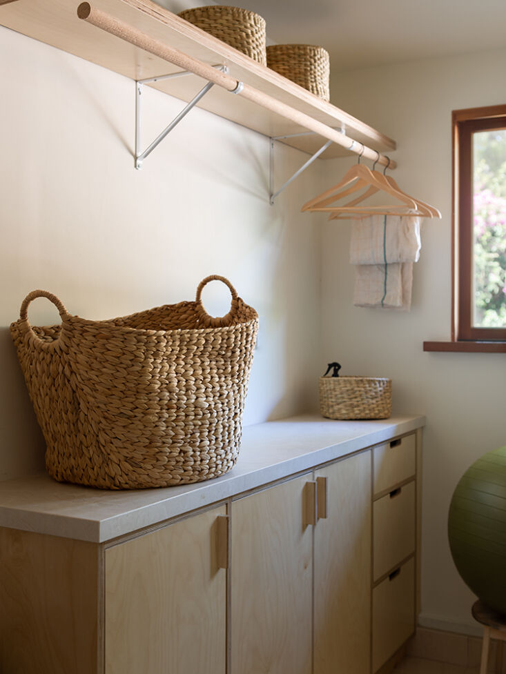 &#8\2\20;we updated the bathroom, kitchen, and laundry with a warm, neutral 19