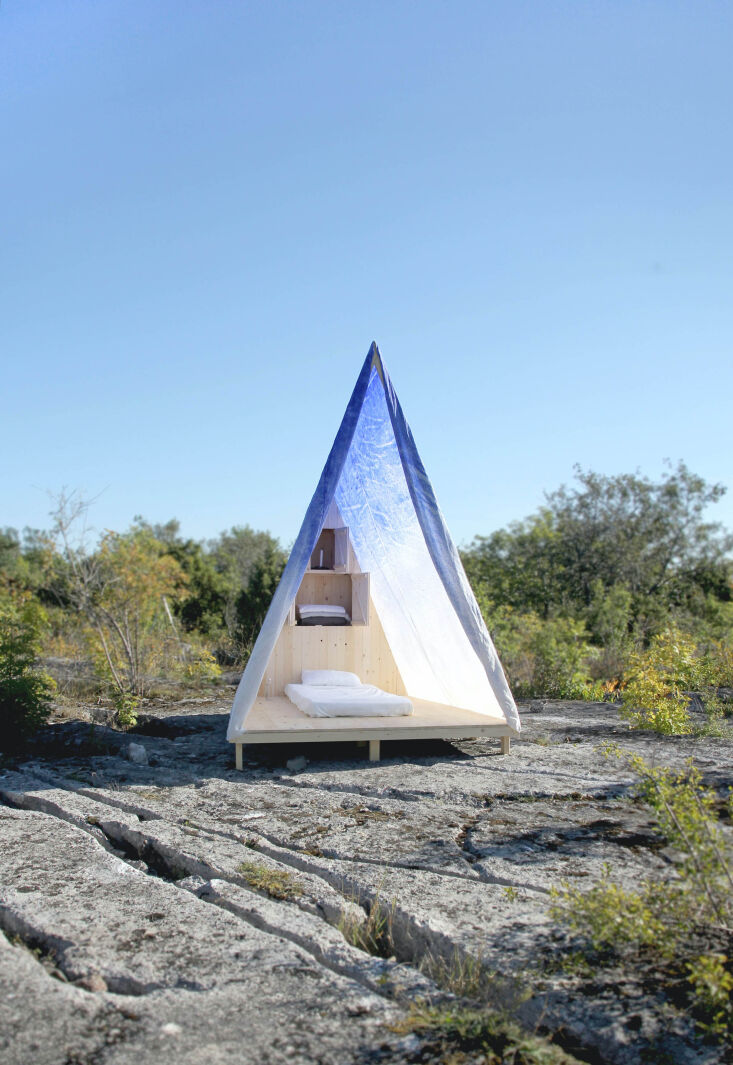 dream escape of the week: modern, minimalist tents, cabins, guest houses, and m 9