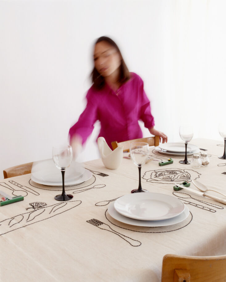 oeuvres sensibles tablecloth 1