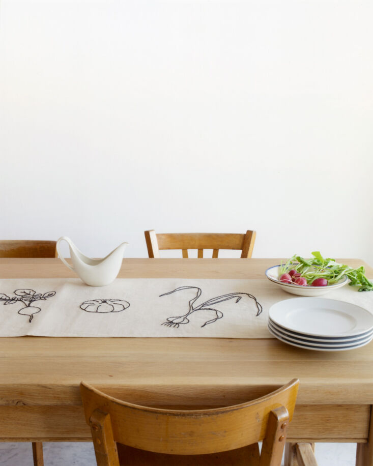 oeuvres sensibles tablecloth 11