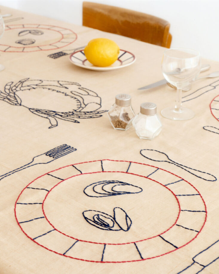 oeuvres sensibles tablecloth 14