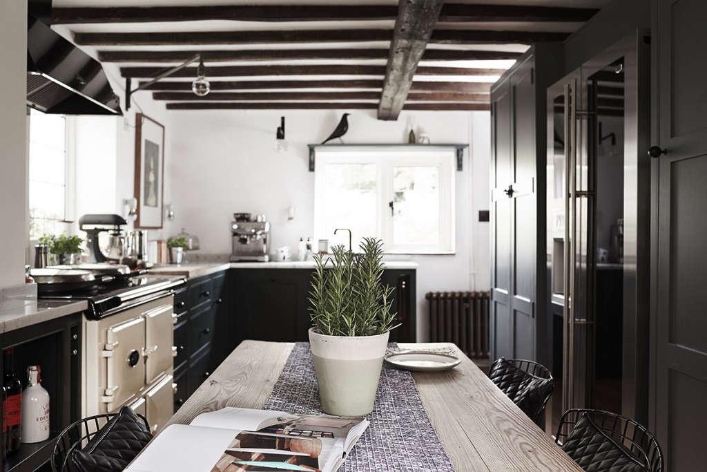 Thatched Cottage Kitchen 01