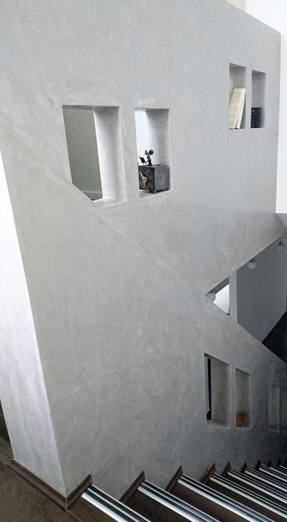 Staircase. Marmorino.