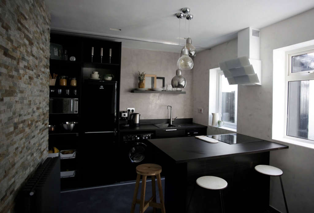Kitchen. Poured Concrete. Slate Stone. Marble. Glass. Marmorino.