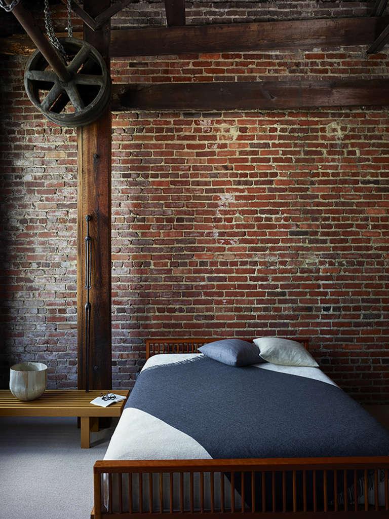 Living Space : Bedroom